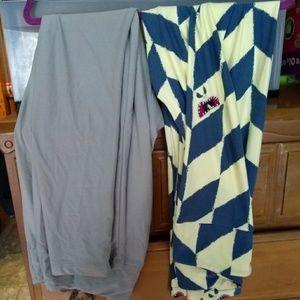 Set of 2 Lularoe leggings
